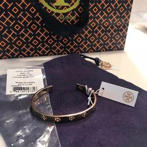 Tory Burch Jewelry - Tory Burch signature T bracelet rose gold NWT